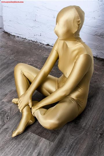 Zentai girl Lia – golden Spandex
