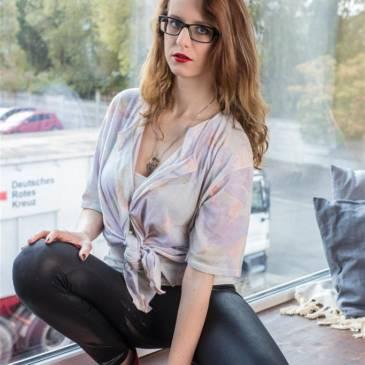 Spandex leggings girl Anna – 80s style secretary