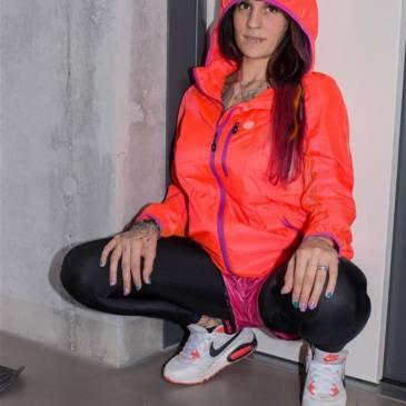 Nylon shorts girl – jogging outfit