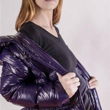 Shiny Downcoat – Patrizia in shiny leggings and downcoat