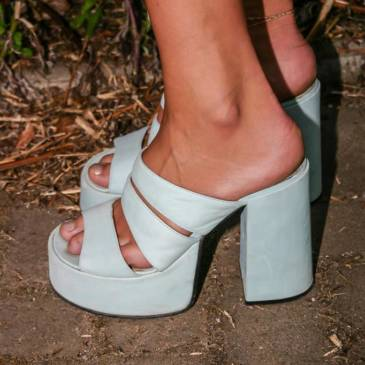 Satin dress – Shiny blue summer girl