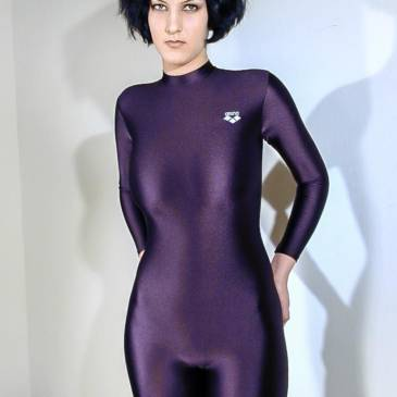 Black catsuit girl – Spandex galore